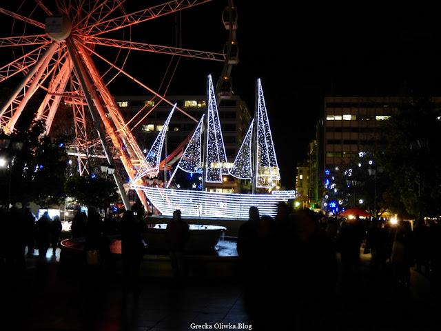 świąteczny statek, diabelski czerwony młyn, Plac Syntagma Grecja