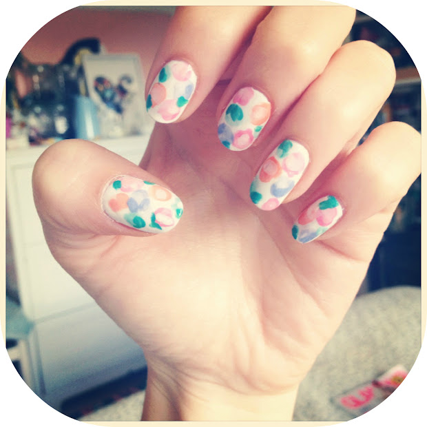 faded vintage flower nail art