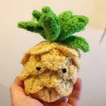 https://translate.google.es/translate?hl=es&sl=en&tl=es&u=http%3A%2F%2Fcharmedbyashley.blogspot.com.es%2F2016%2F05%2Ffree-amigurumi-pineapple-crochet-pattern.html
