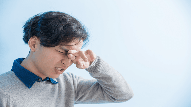 eye irritation and pain