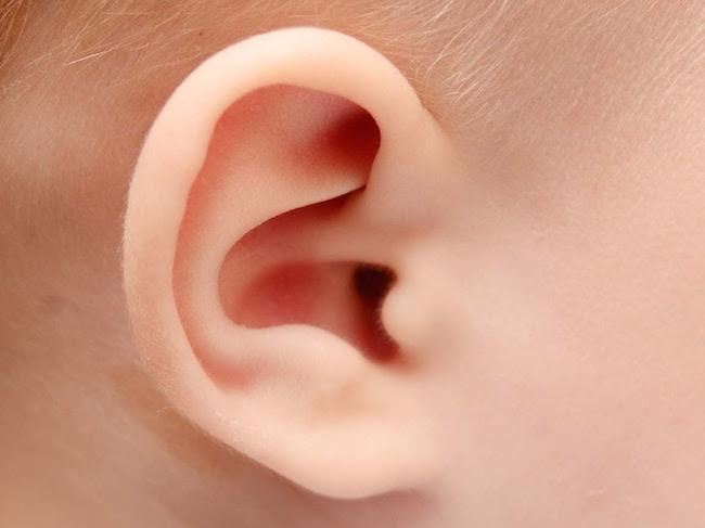 Teste da orelhinha - diagnóstico permite que bebês com deficiência auditiva desenvolvam a comunicação precocemente