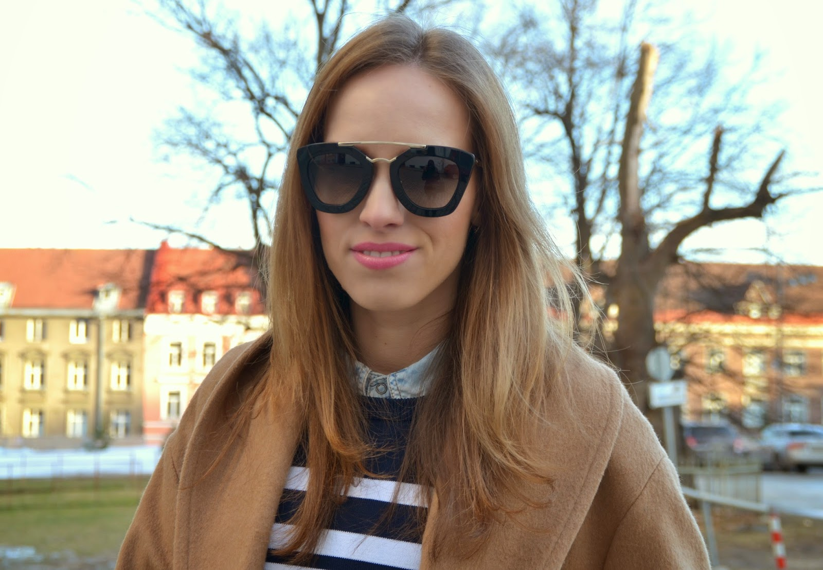prada-black-gold-cinema-sunglasses-camel-coat kristjaana mere