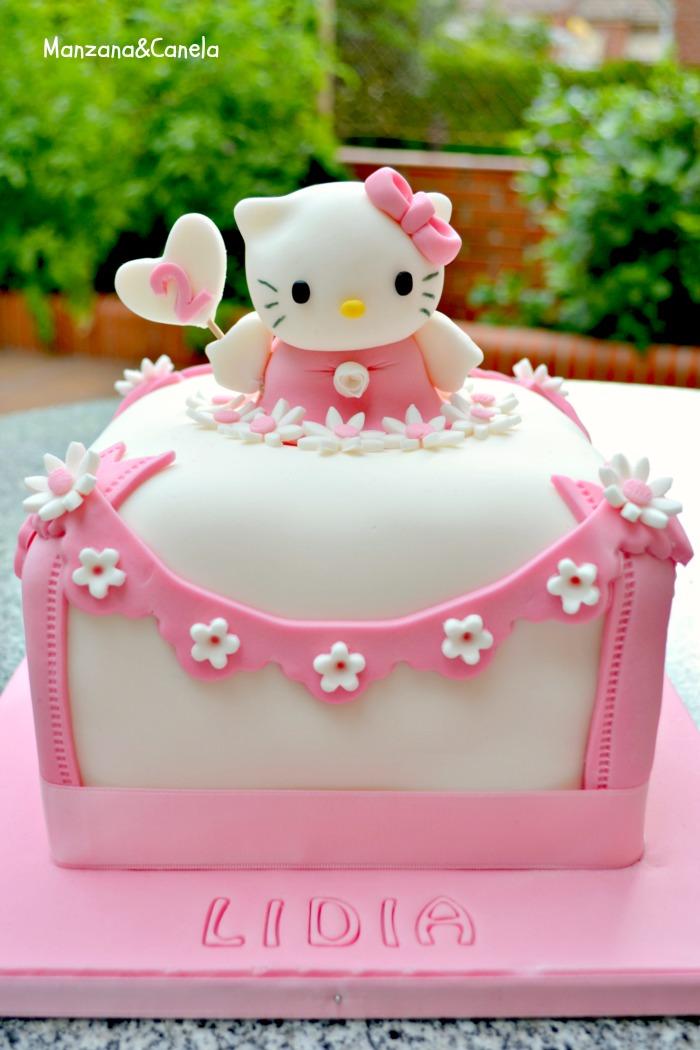 Manzana&Canela: Tarta de Hello Kitty, y receta de bizcocho ...