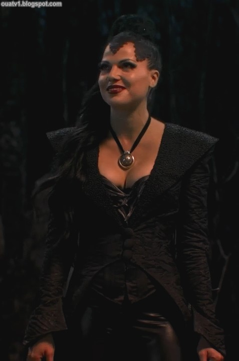 ouat-evil-queen-outfits-1x01-1-05.jpg
