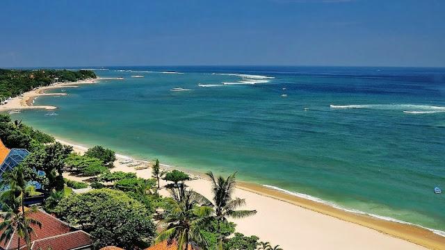Banyak sekali pantai di Bali