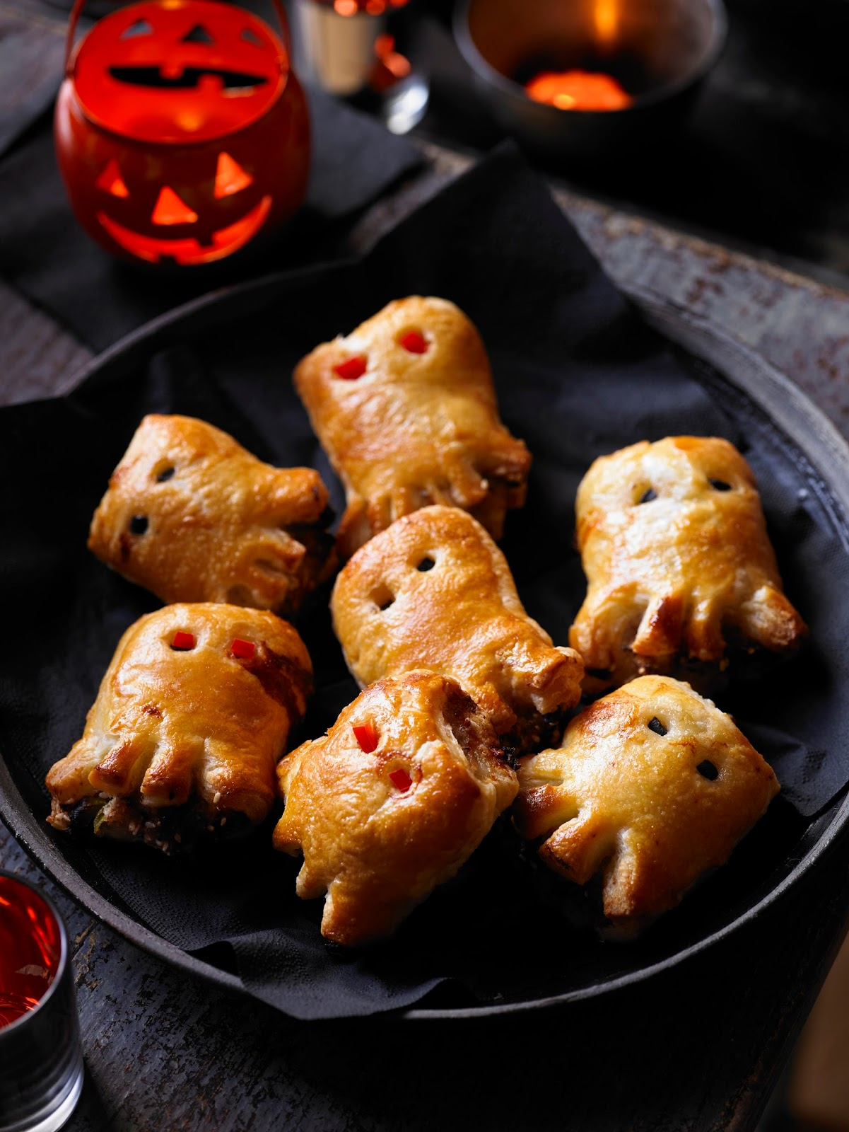 Halloween entertaining doesn't have to be the stuff of nightmares. With a few easy techniques in your repertoire — from fake blood to gooey brains, you can whisk up spectacularly spooky Halloween party food without breaking a sweat.