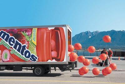14 Creative and Cool Truck Advertisements (16) 7