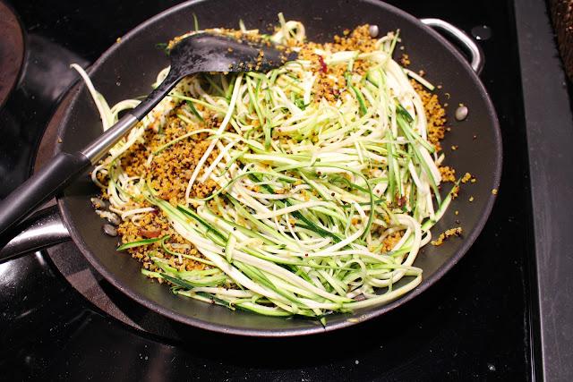 Turmeric quinoa with zucchetti