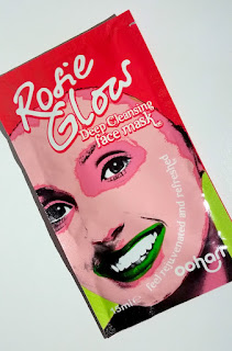 Ooharr Rosie Glow face mask