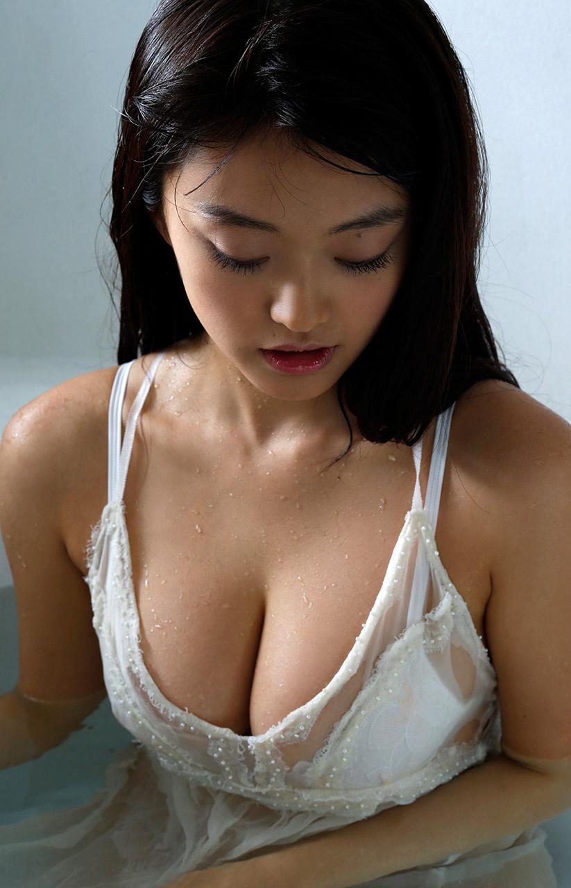 mari yamachi hot bikini pics 03