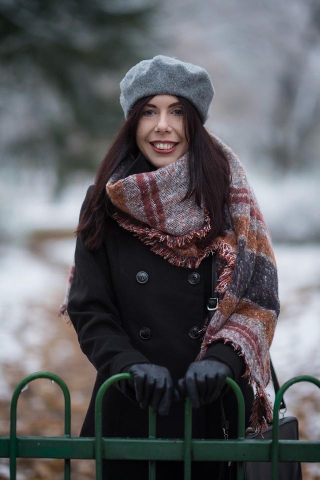 stylizacja z beretem | jak nosić beret zimą? | jak nosić beret | w co się ubrać zimą | stylizacja na zimę | szal w kratę C&A | dwurzędowy płaszcz H&M | blog o modzie | blog szafiarski | blog modowy | blogerka z Łodzi