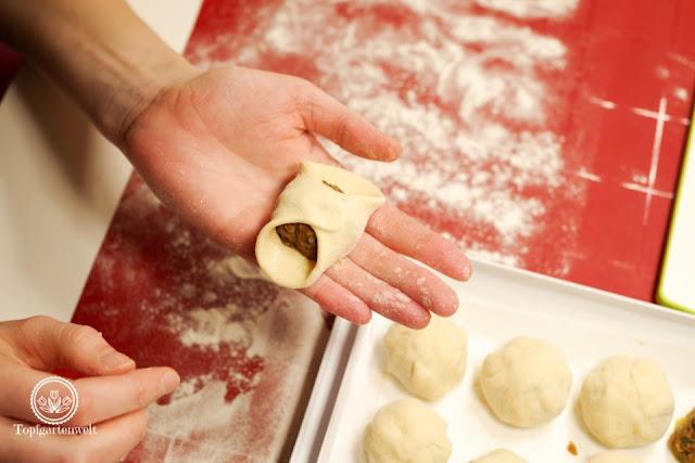 Knödel formen damit sie beim Kochen nicht aufgehen - Foodblog Topfgartenwelt