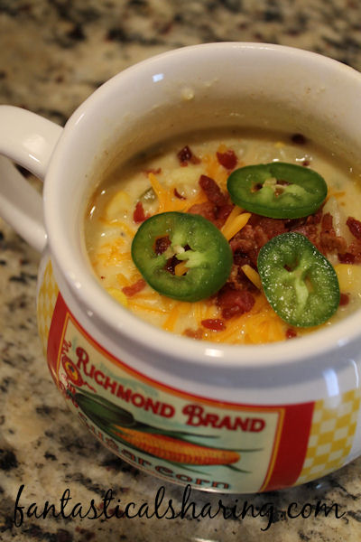 Jalapeno Popper Soup | This spicy comfort meal has peppers galore with corn, cauliflower, and tons of cheese! #soup #jalapenopopper #recipe #maindish #bacon