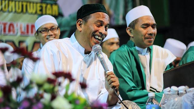 Habib Umar Muthohar: Ketahui Gurumu, Jangan Ikut Ajaran yang Baru-baru