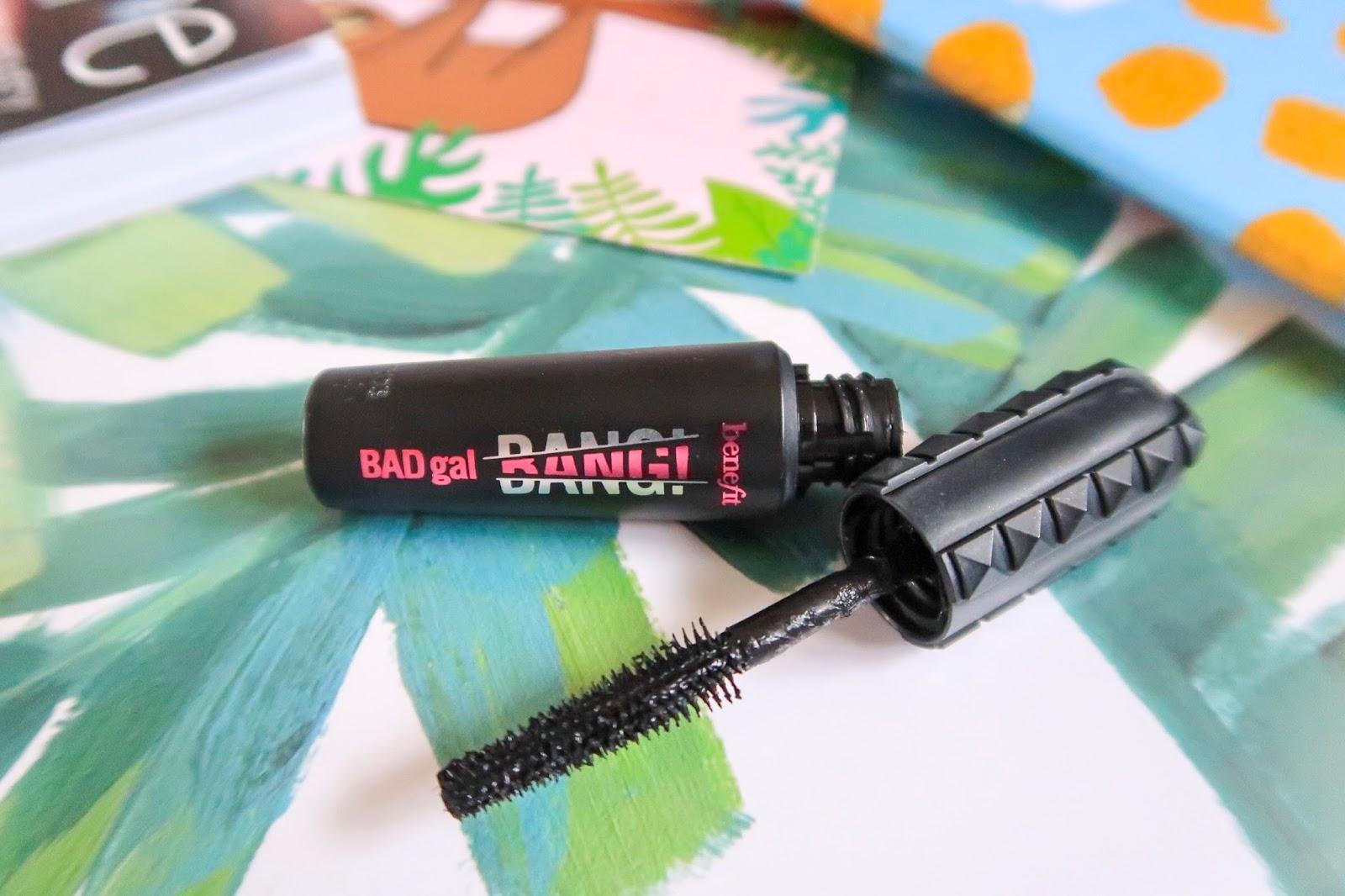 benefit baf gal bang mascara close up with wand