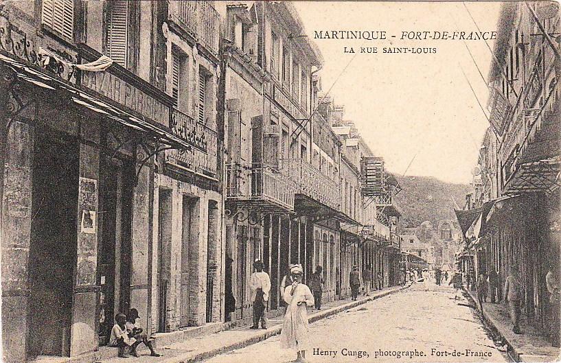 commerces immarcescibles bazar parisien fort de france. Black Bedroom Furniture Sets. Home Design Ideas