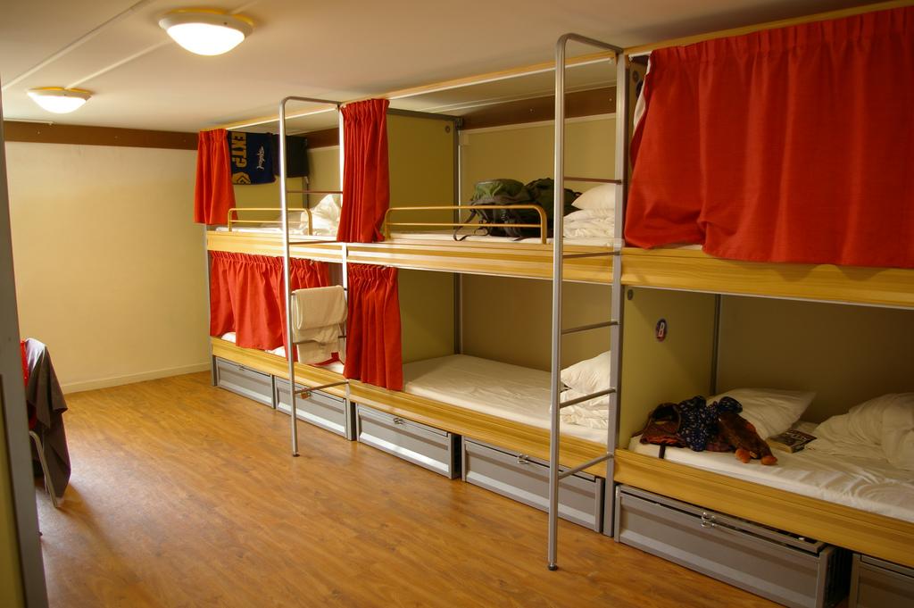 Confortável quarto num hostel