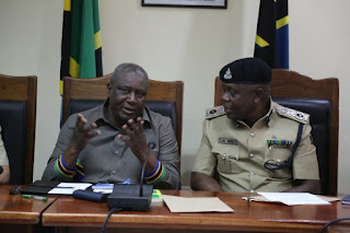 Waziri Lugola Aapa Kupambana Na Polisi Wanaobambikizia Kesi Wananchi