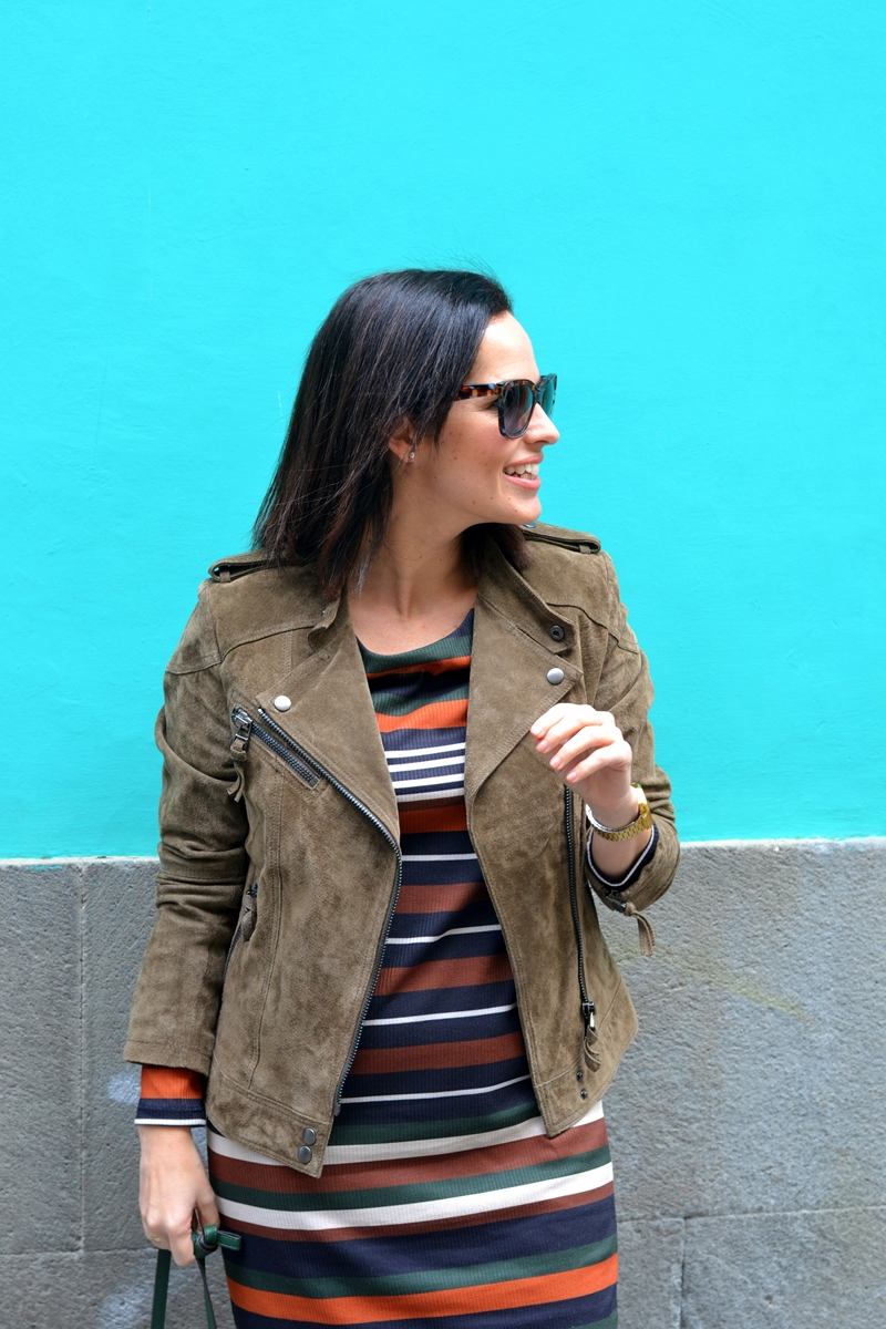 green-leather-jacket-mango-street-style