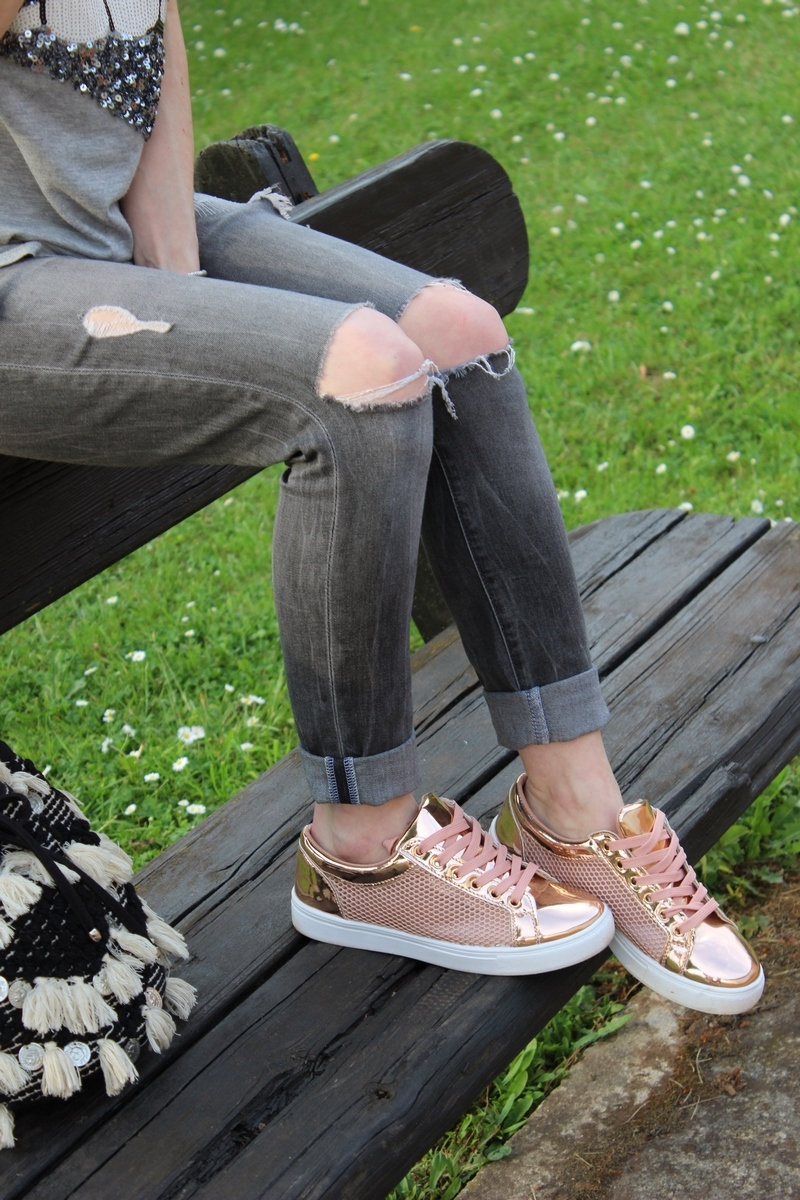 sneakers-rose-gold