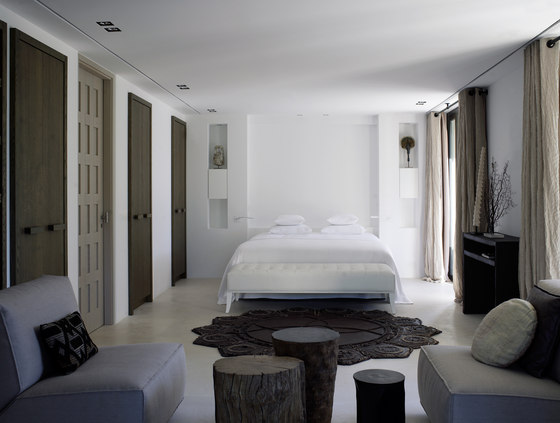 Modern luxury bedroom minimal sophisticated interior design by Piet Boon