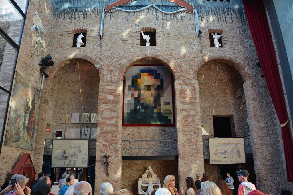 Museo Dali Figueres.Travels Ballroom Dancing Amusement Parks Teatre Museu Dali Art