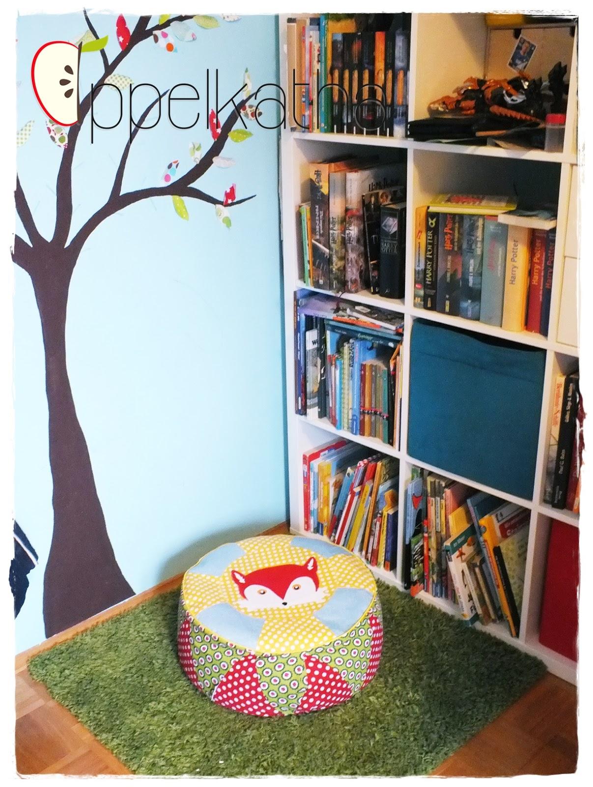 appelkatha und ein sitzkissen f r die kinder. Black Bedroom Furniture Sets. Home Design Ideas
