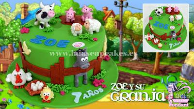 Tarta personalizada fondant modelado granja animalitos oveja vaca cerdo cerdito caballo Laia's Cupcakes Puerto Sagunto