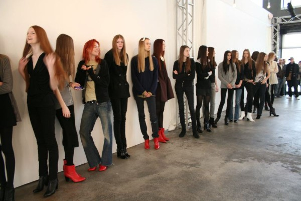 what to wear to a model casting call