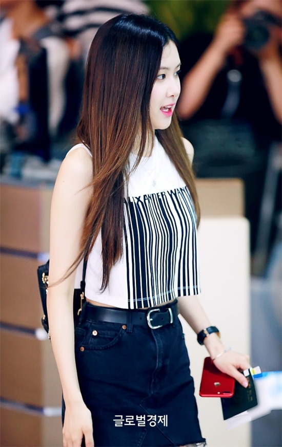 new3 - Blackpink Rose Airport Style