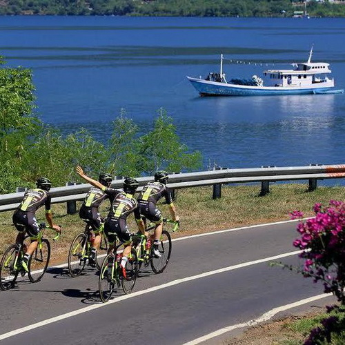 Tinuku Travel Tour de Flores, watch the annual cycling race on a beautiful island and exotic cultures