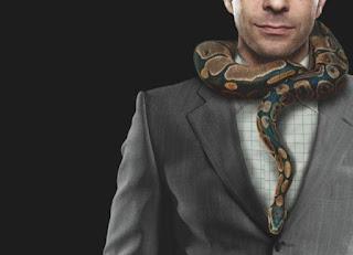 Encantadoras de serpientes: decálogo para detectar a una psicópata no criminal o integrada.