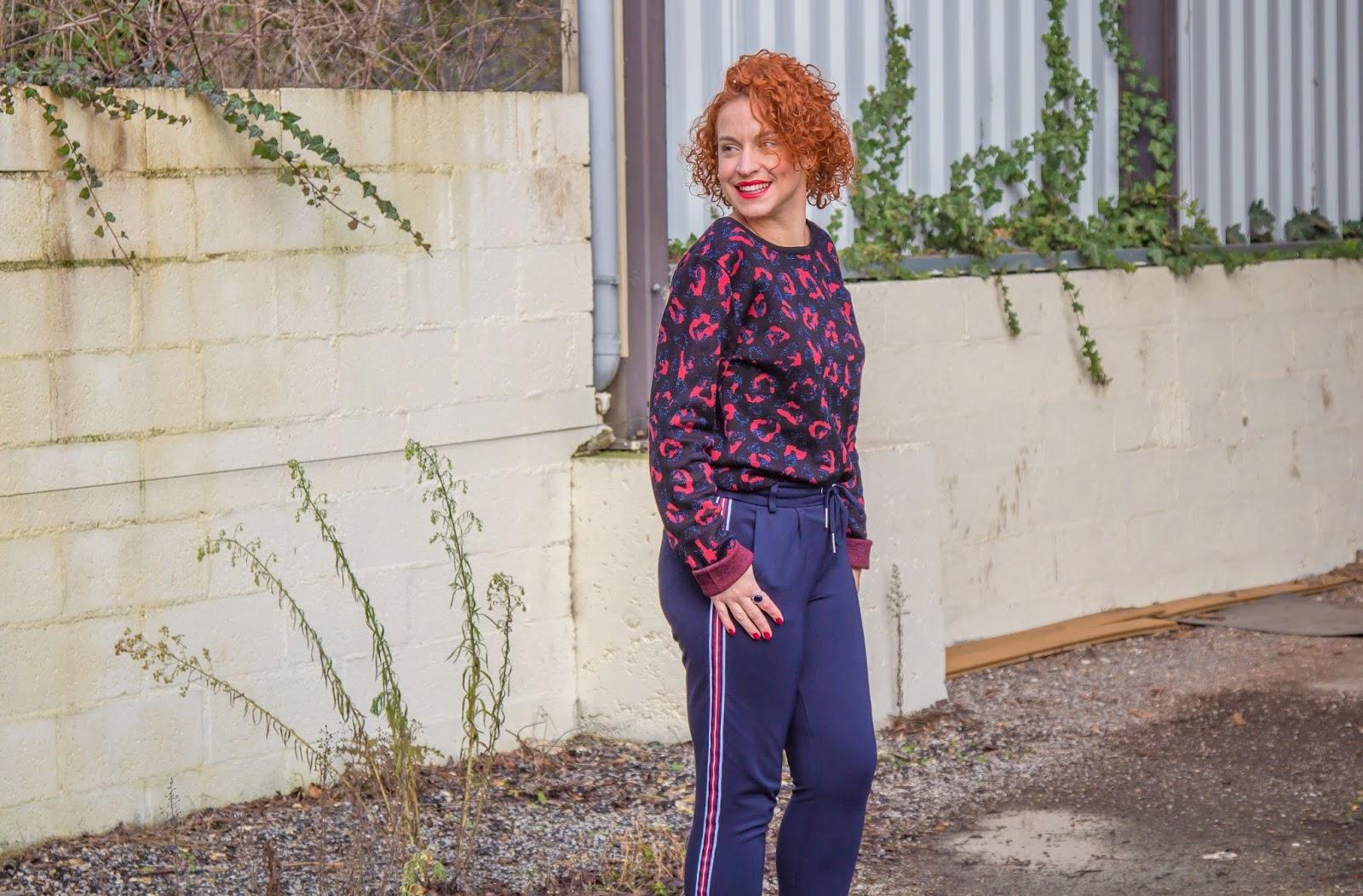pantalon-jogging-melange-de-styles