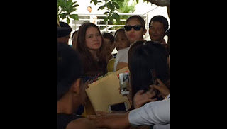 Maine Mendoza, welcomed by fans at the NAIA.