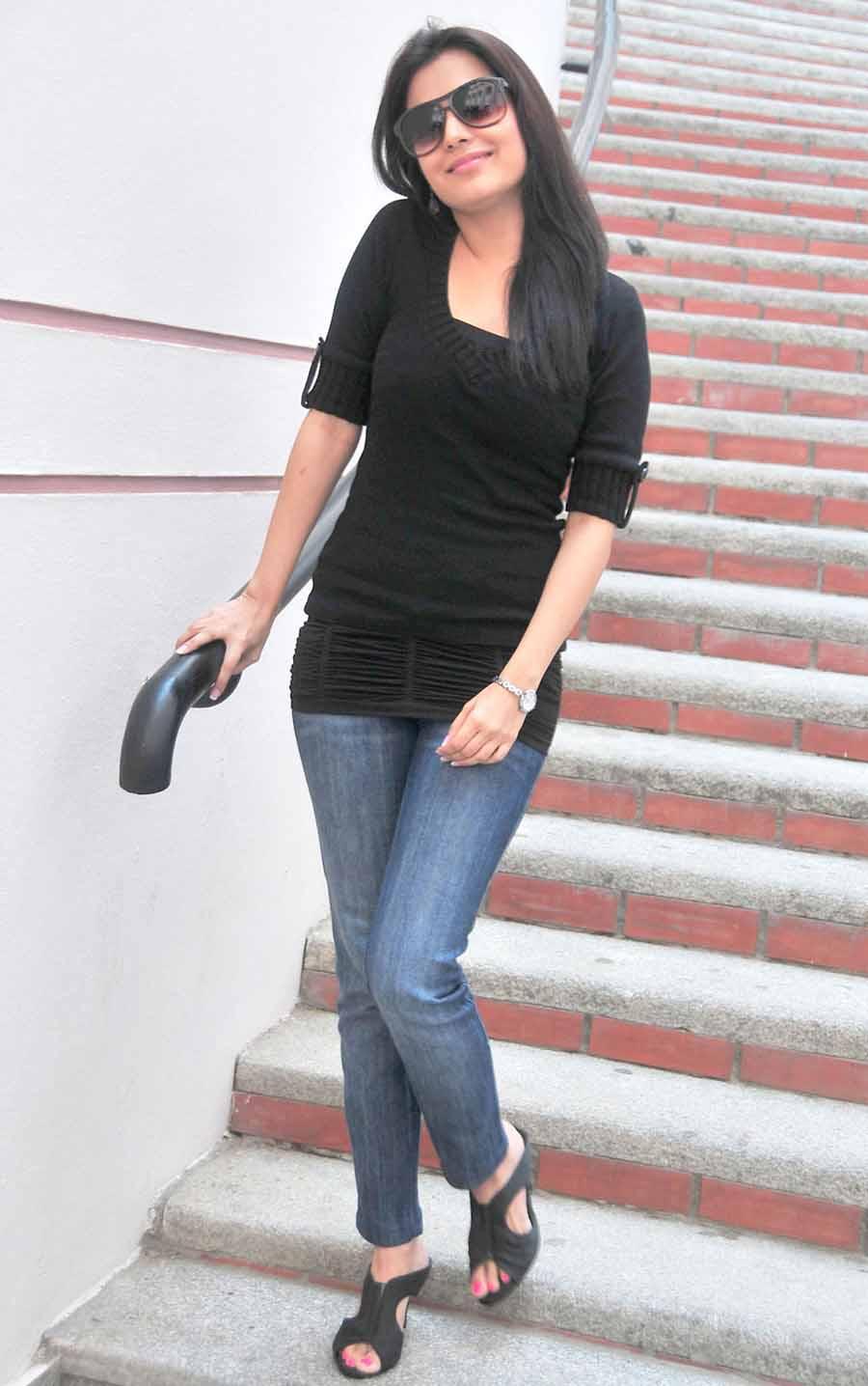 190 Nisha Agarwal Sister Of Kagal Agarwal Hot Sexy -9756