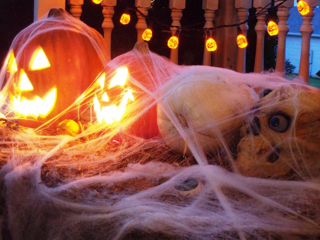 Halloween-Decorations-Pumpkins
