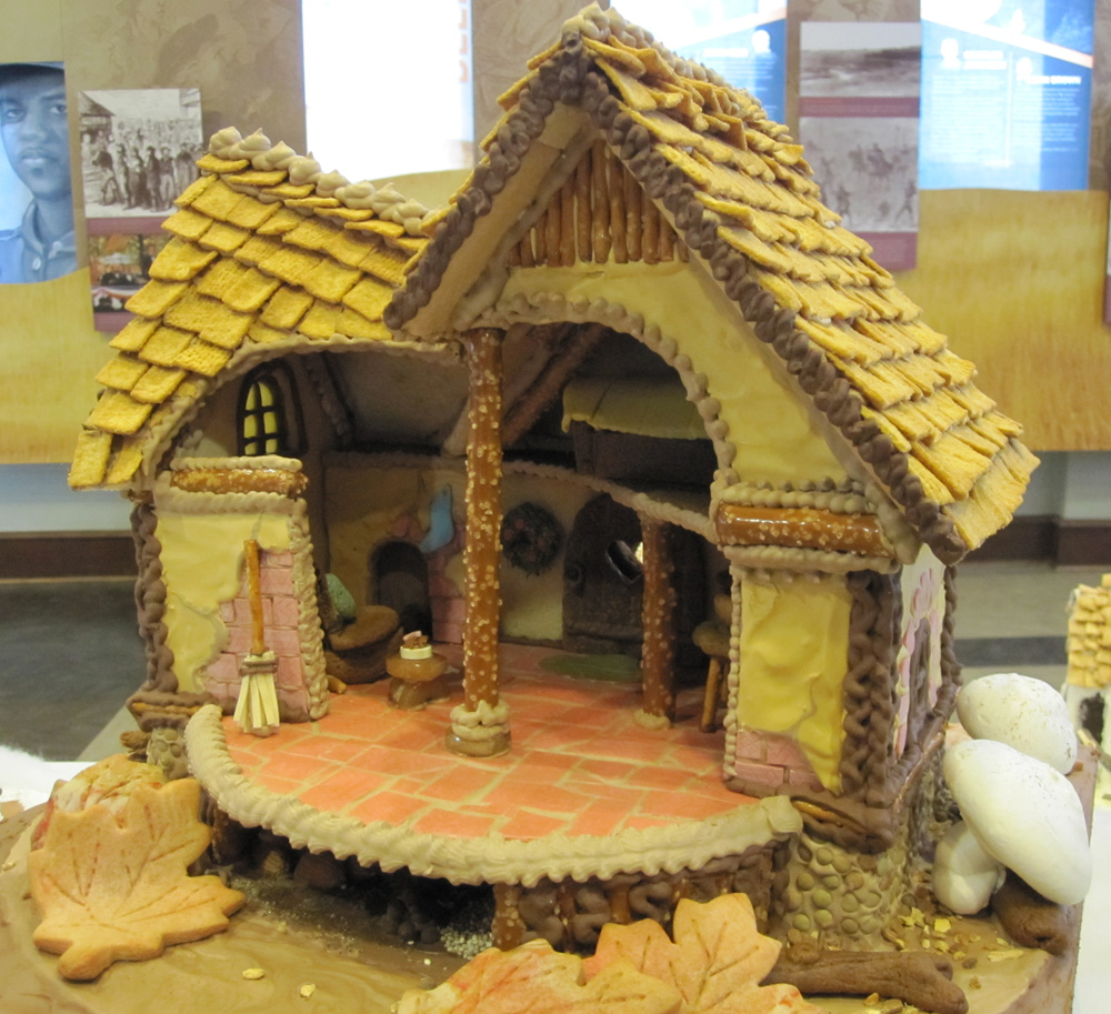 Amy Bradley Designs Gingerbread Houses: Amy Bradley Designs: Gingerbread Houses Galore
