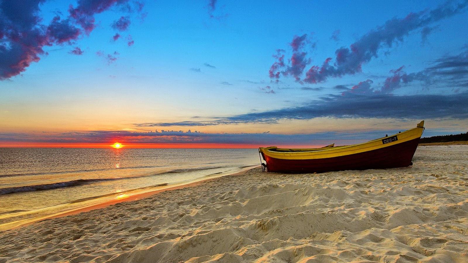 Boat in beach ocean wallpaper
