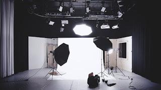 كيف تكون أفضل أمام الكاميرا لتسجيل الفيديوهات على Youtube