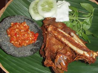 3 Resep Masakan Bebek : Goreng Madura, Sate Empuk Cibeber dan Masak Bacem Klaten
