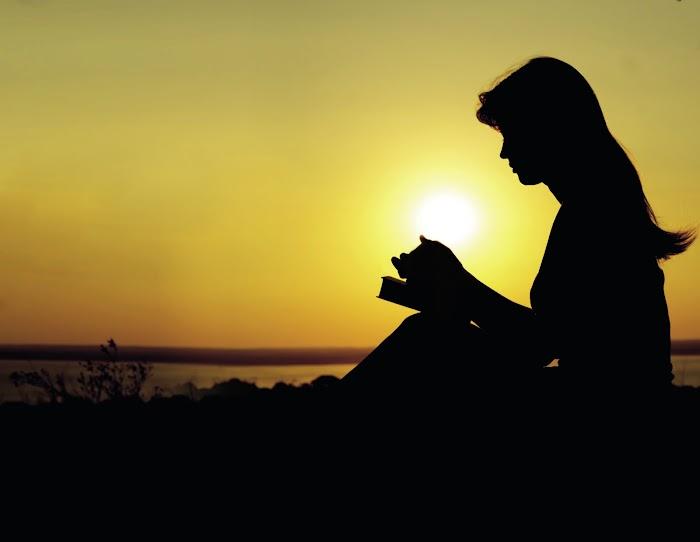 O que significa orar em nome de Jesus?