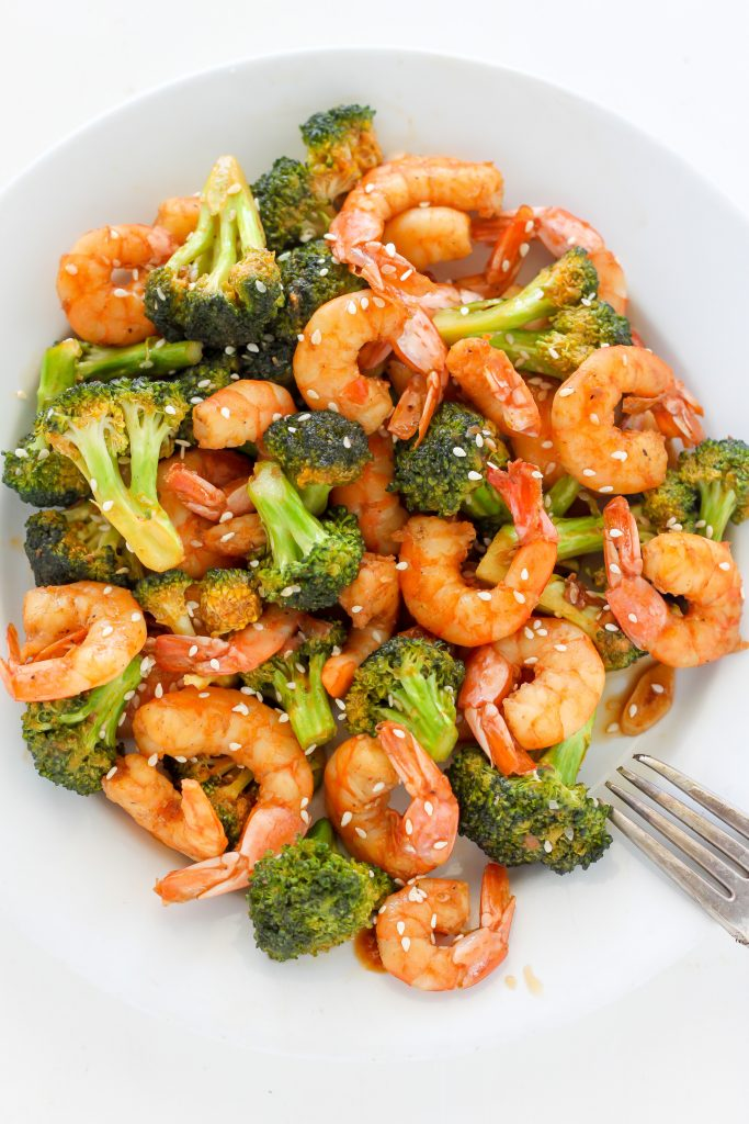 Easy 20-Minute Skinny Sriracha Shrimp and Broccoli Recipe