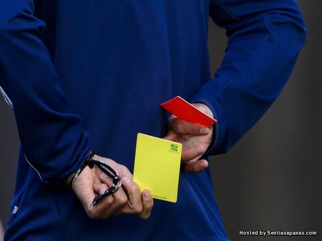 Sejarah Kad Kuning Dan Kad Merah Dalam Bola Sepak