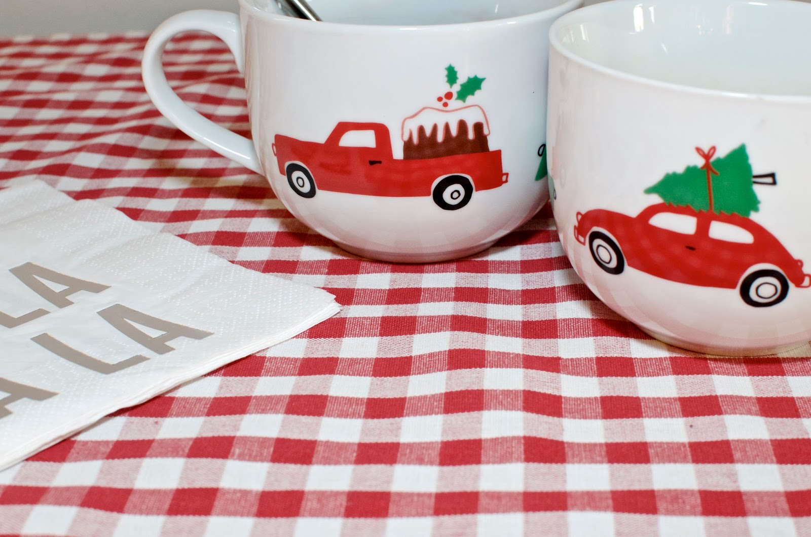 Christmas coffee cups