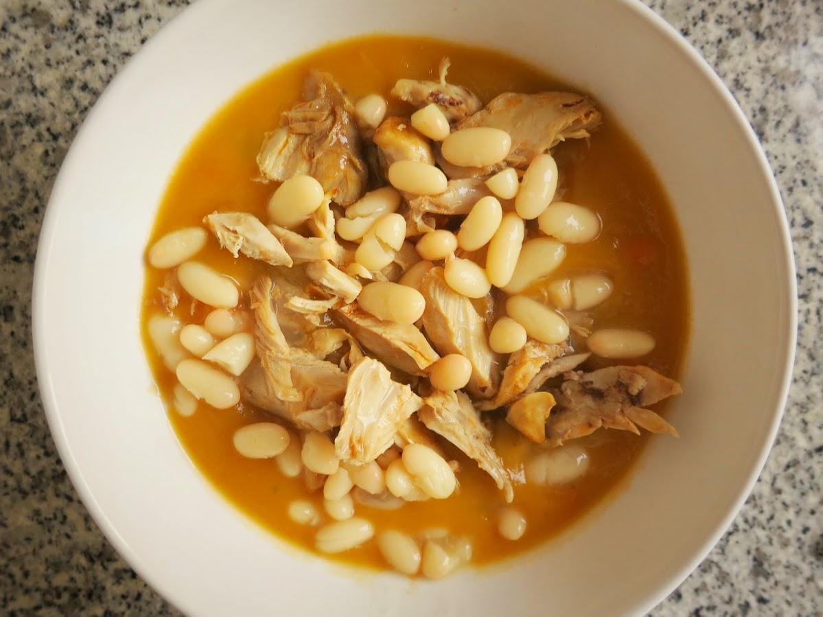 Sopa de Cenoura, Frango e Feijão