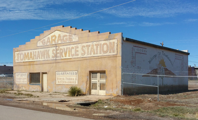 Tomahawk Service Station in Mountainair New Mexico