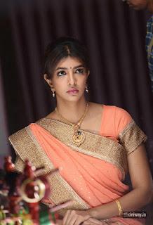 Manchu-Lakshmi-Stills-From-Lakshmi-Bomb-Movie
