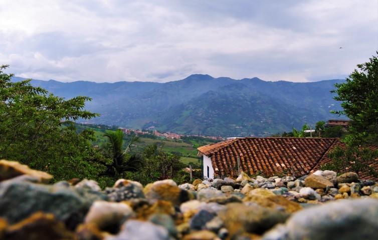 girardota desde lejos pueblo municipio de antioquia