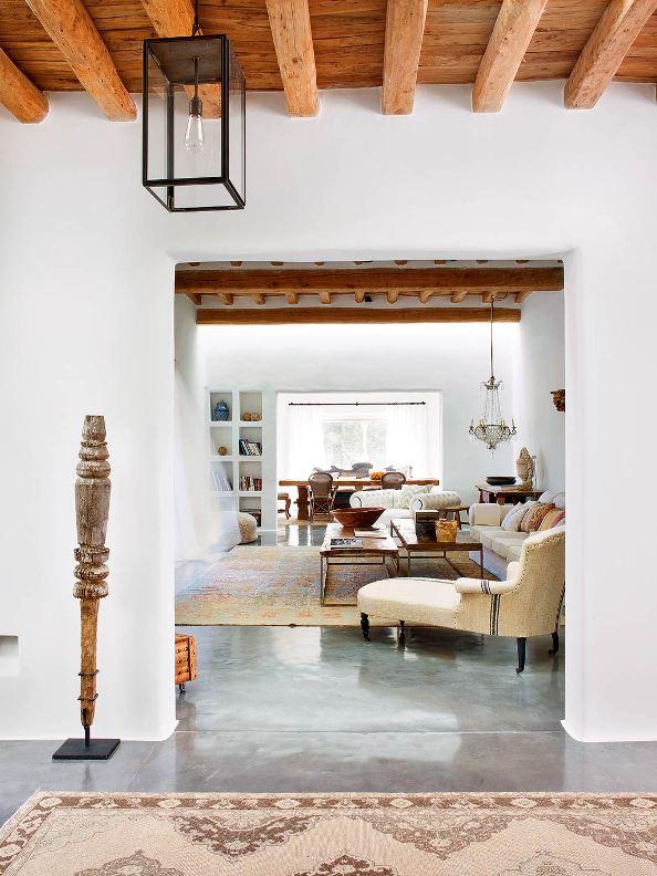 casa payesa con suelos de microcemento chicanddeco