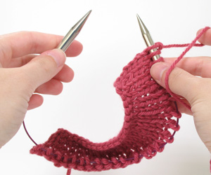 Flat knitting with circular needles